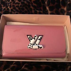 Louis Vuitton Vernis Twist Wallet